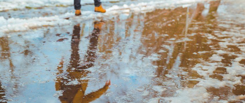 Analyser l'eau de son puits au printemps et à l'automne.