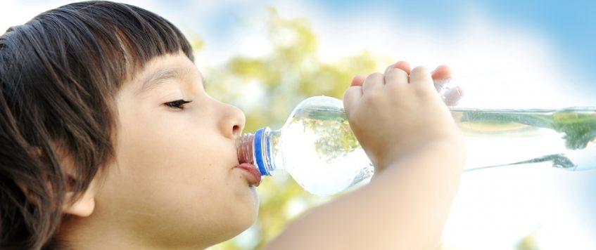 Les effets de l'eau sur votre corps – le premier verre de la journée!